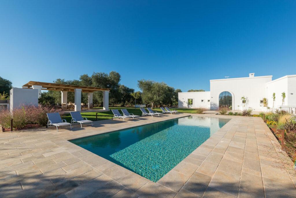 Villa pomes esterno con piscina